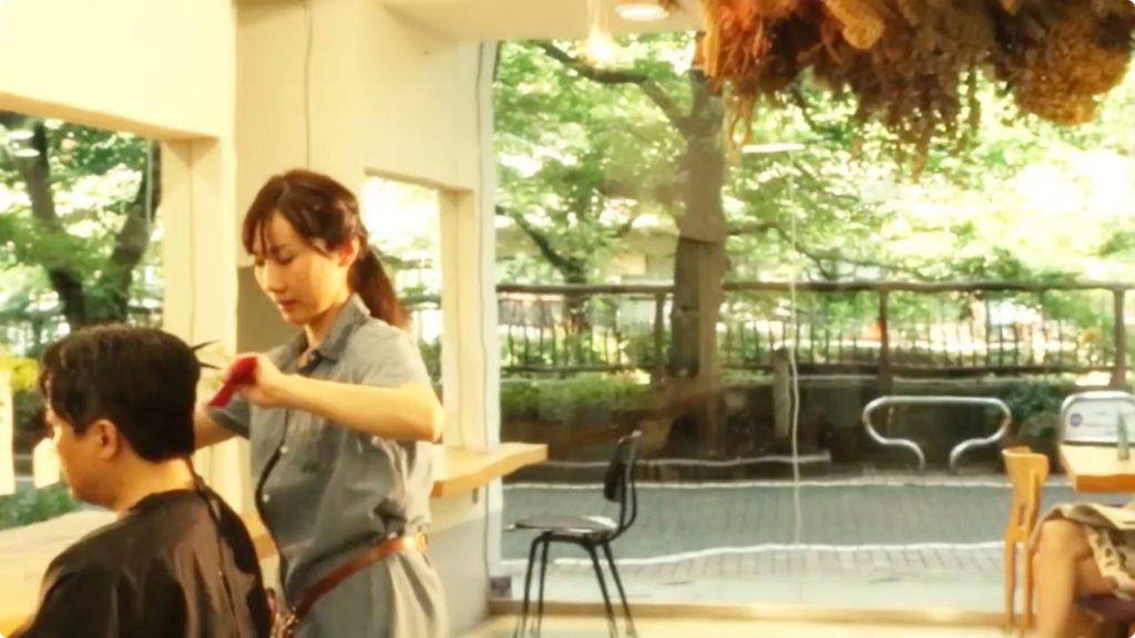 美容室_あんしんスカイエア夏篇